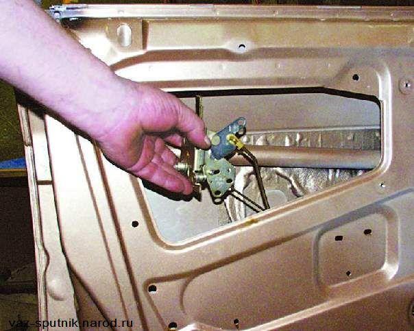 Фото №3 - как починить центральный замок на ВАЗ 2110