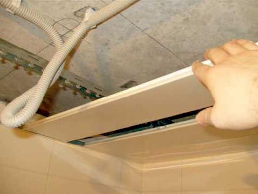 Монтаж потолка из панелей своими руками видео