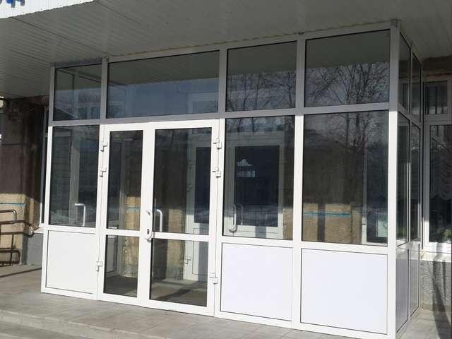стоимость наружных дверей из металла стекла для магазинов офисов входные